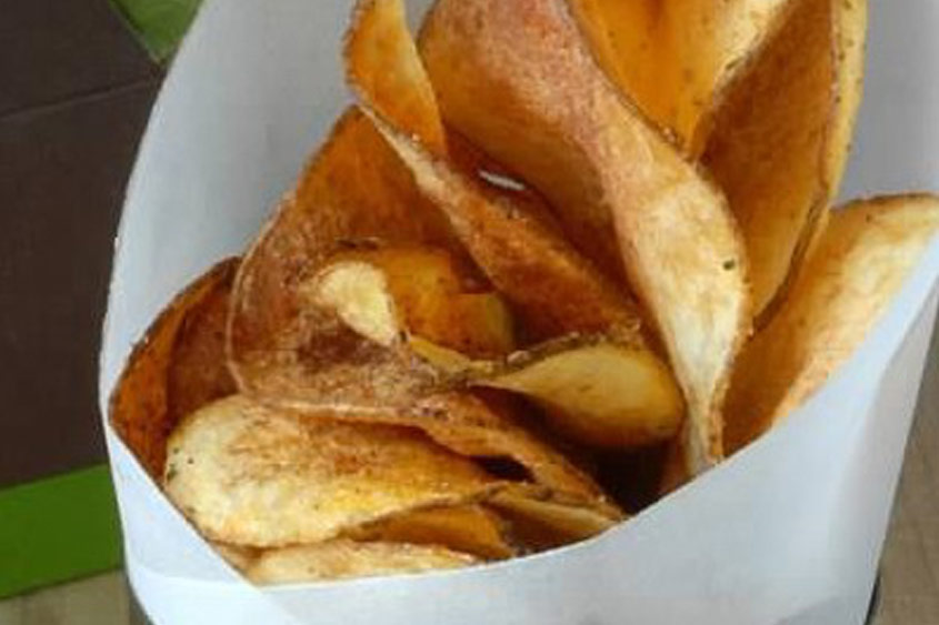 Creole Potato Chips With Pan Roasted Onion Dip